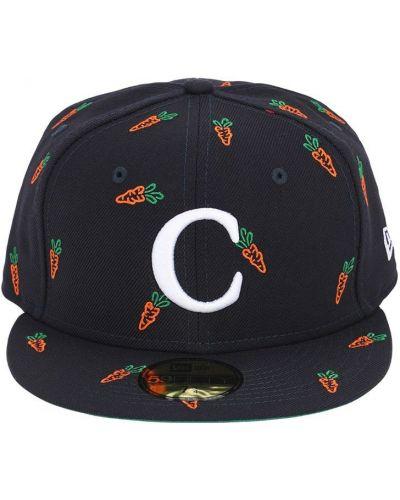 Niebieski kapelusz z haftem Carrots