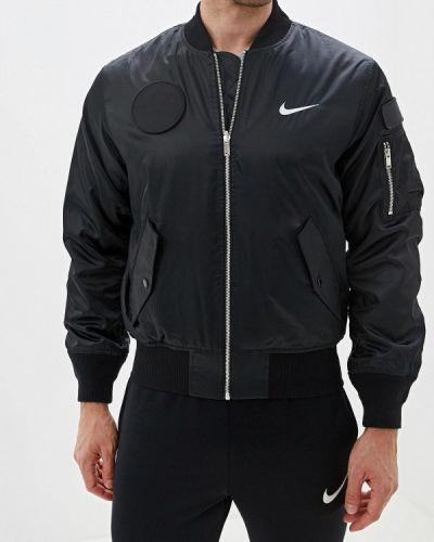 Утепленная куртка черная осенняя Nike