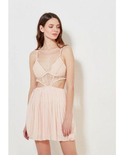 Коктейльное платье бежевое Paccio