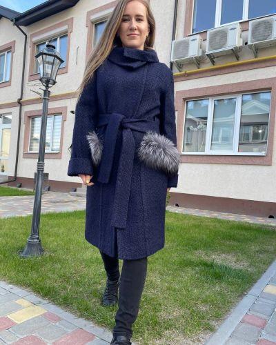 Пальто букле - синее Albanto