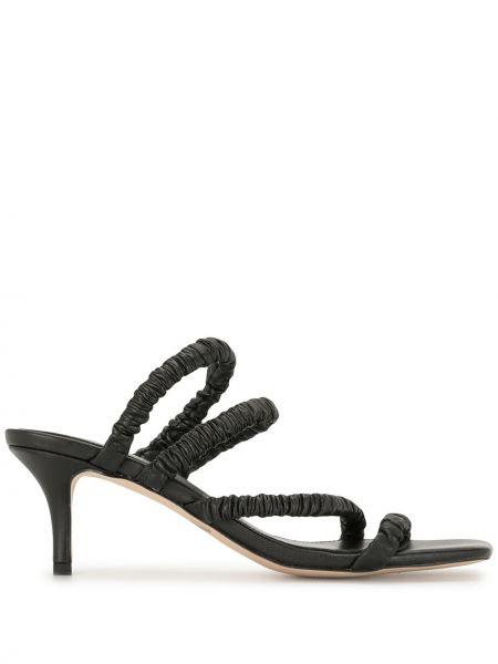 Открытые черные босоножки на каблуке с оборками Mara & Mine