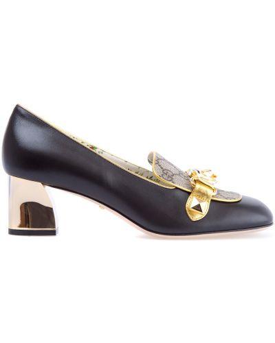 Кожаные туфли на каблуке с пряжкой Gucci