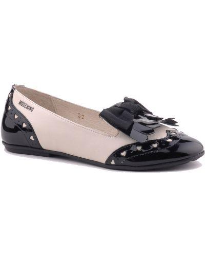 Туфли лаковые бежевые Moschino