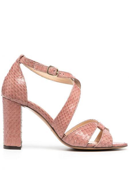 Открытые розовые босоножки на каблуке с пряжкой Tila March
