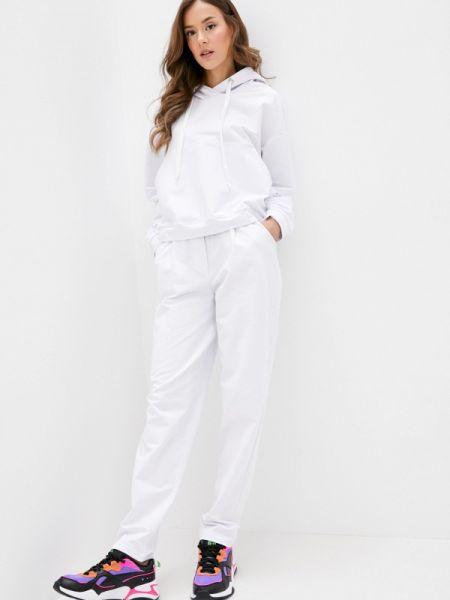 Костюм белый спортивный Irma Dressy