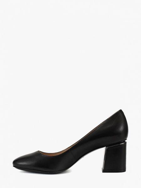 Кожаные туфли черные осенние Ekonika