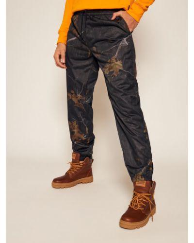Czarne spodnie materiałowe Huf