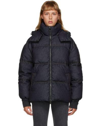 Синее пуховое длинное пальто с капюшоном Moncler