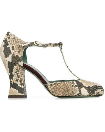 Бежевые туфли на каблуке с пряжкой круглые на каблуке Paola D'arcano