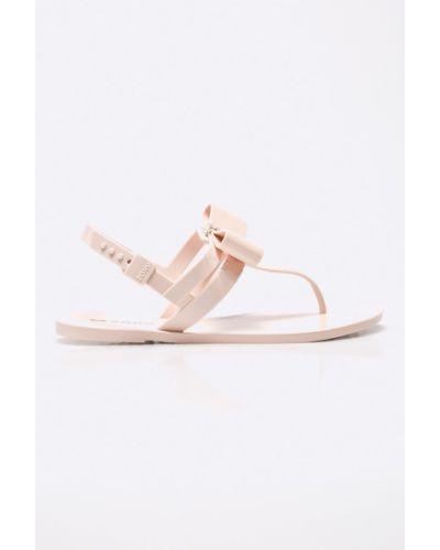 Розовые сандалии Zaxy