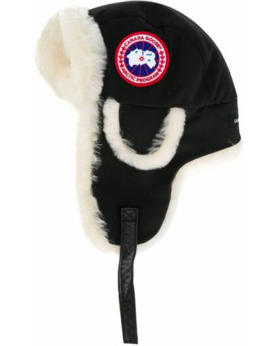 Бежевая шапка Canada Goose