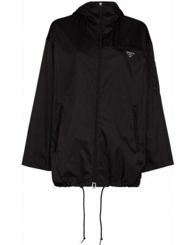 Czarny płaszcz przeciwdeszczowy Prada