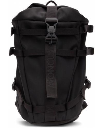 Czarny plecak skórzany z haftem Moncler