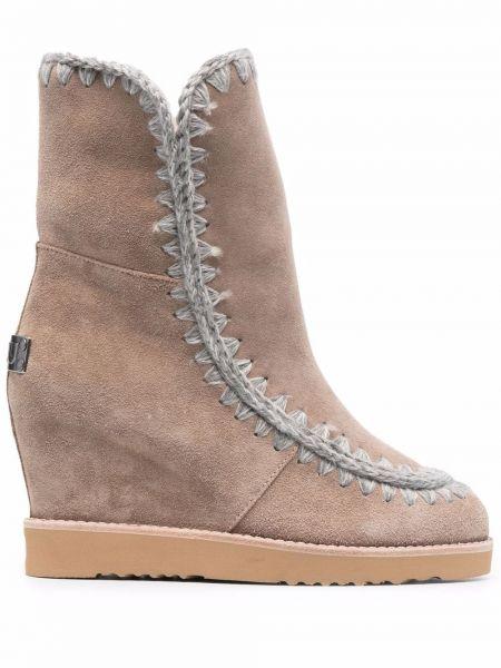Ботинки на каблуке Mou