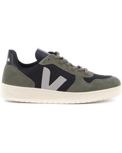 Czarne sneakersy Veja