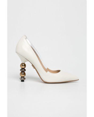 Туфли на каблуке - бежевые Baldowski
