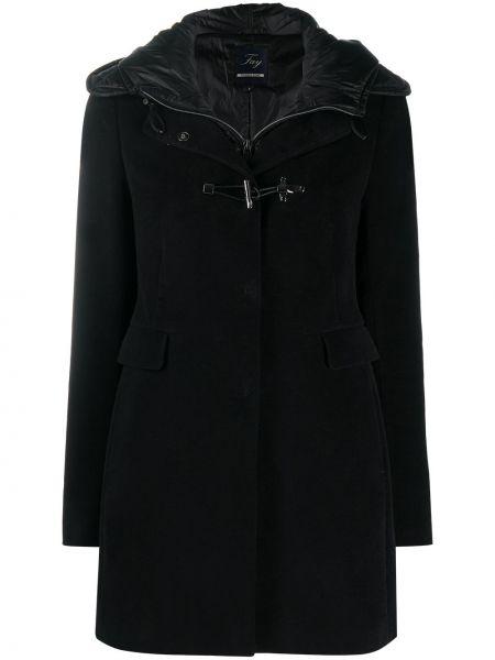 С рукавами классическое черное пальто с капюшоном на крючках Fay