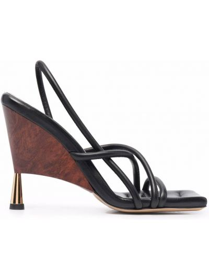 Босоножки на каблуке - черные Gia Couture