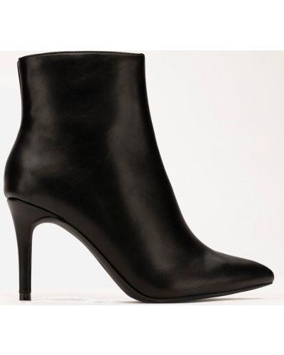 Яркие ботинки - черные Deezee