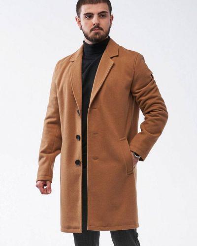 Коричневое пальто React