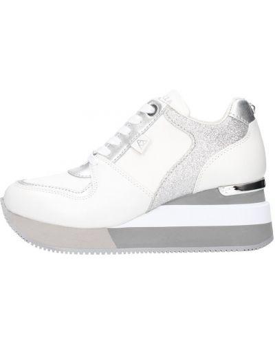 Sneakersy srebrne Apepazza
