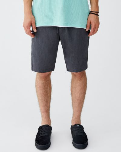 Серые шорты с карманами Pull & Bear