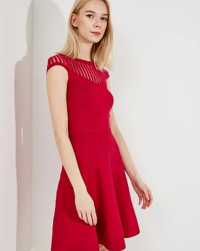 Розовое платье весеннее French Connection