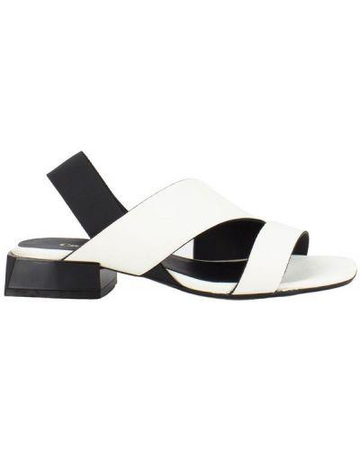 Białe włoskie sandały Carmens