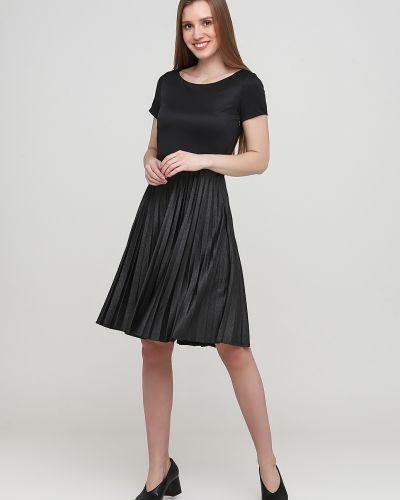 Плиссированное черное платье с вырезом Kookai