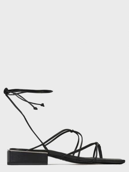 Кожаные сандалии - черные Vic Matie