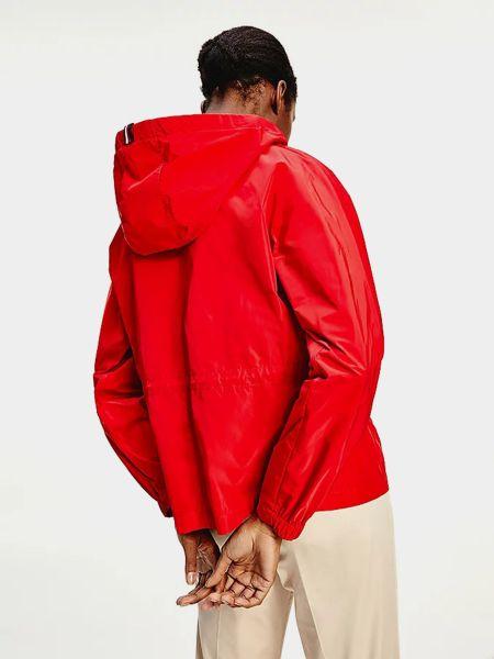 Красная куртка Tommy Hilfiger