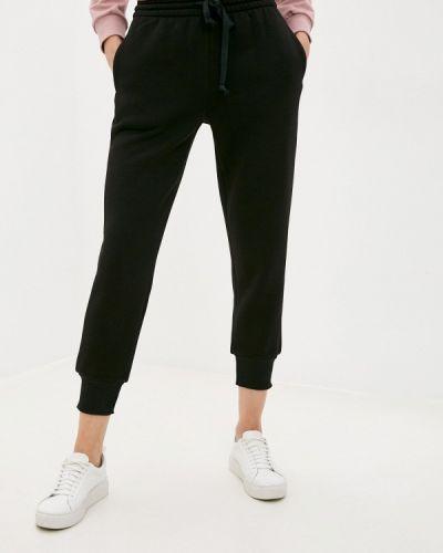 Черные спортивные брюки снежная королева