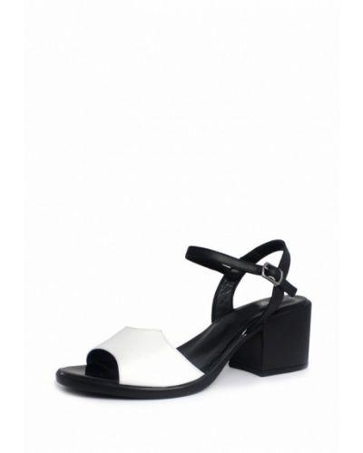 Белые босоножки на каблуке Blizzarini