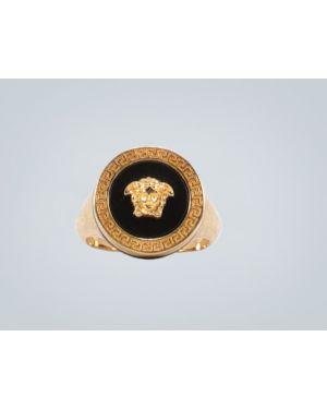 Czarny złoty pierścionek Versace