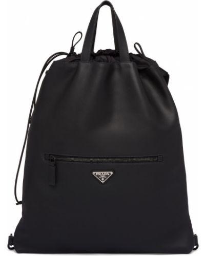 Кожаный черный кожаный рюкзак с нашивками на бретелях Prada
