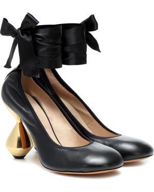 Кожаные туфли черные круглым носом Loewe
