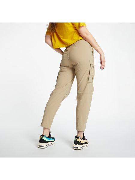 Зеленые брюки Nike