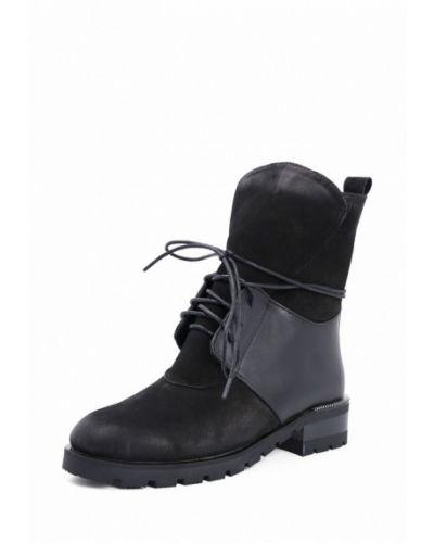 Ботинки на каблуке осенние из нубука Roberto Netti