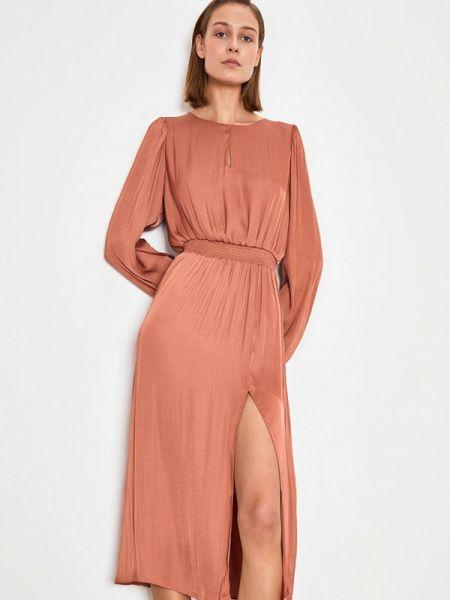 Платье прямое весеннее Lime