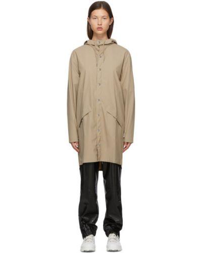С кулиской бежевое длинное пальто с капюшоном Rains