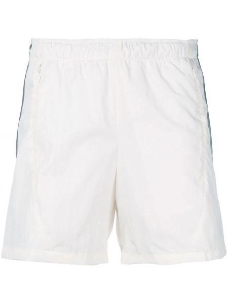 Białe krótkie szorty Cottweiler
