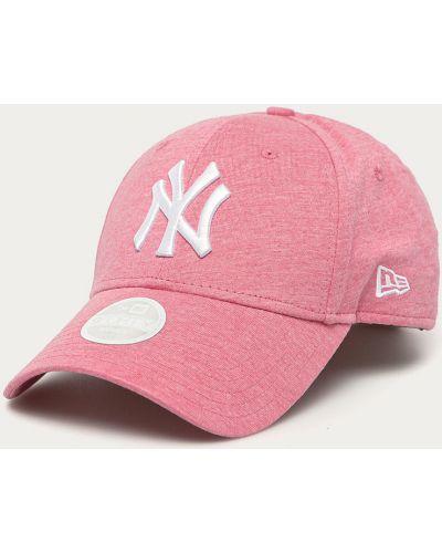 Różowy kapelusz materiałowy New Era