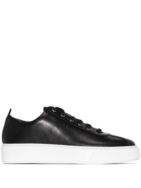 Черные кожаные кроссовки из натуральной кожи Grenson