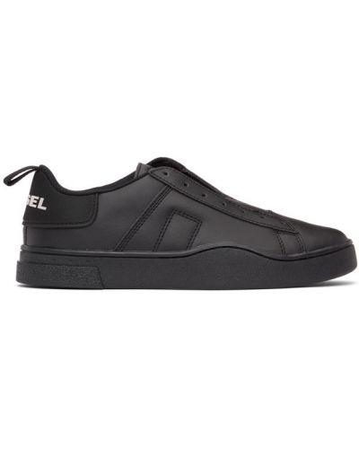Skórzany czarny sneakersy z łatami Diesel