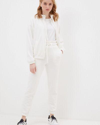 Костюмный белый спортивный костюм Sitlly