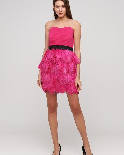 Вечернее платье с открытыми плечами - розовое Naf Naf