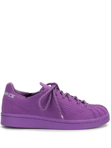 Вязаные фиолетовые кроссовки на шнурках Adidas