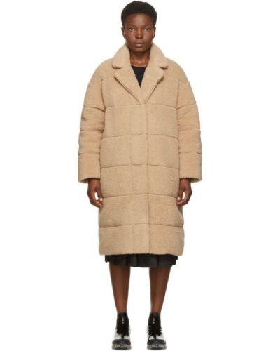 Пуховое бежевое стеганое длинное пальто с воротником Moncler
