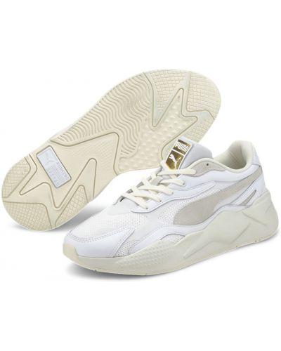 Массивные текстильные кроссовки беговые золотые для бега Puma