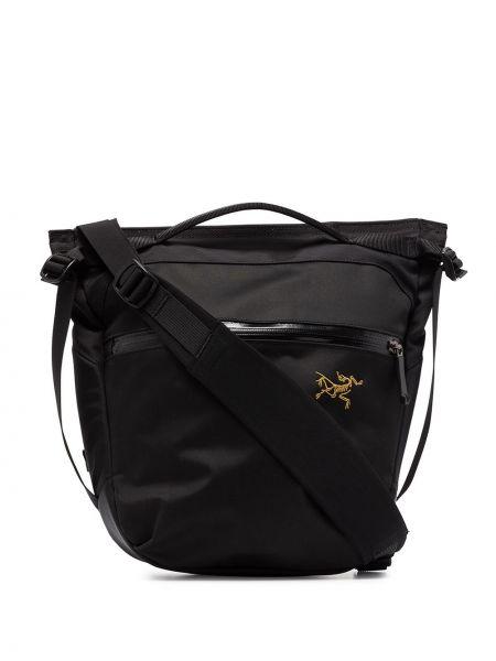 С ремешком черная нейлоновая сумка на плечо Arcteryx